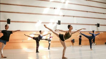 La vuelta a la barra de la Compañía Nacional de Danza
